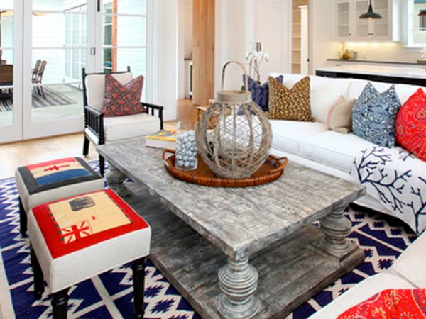 4th july 4th July Décor: Blue & Red Console Tables FEATURE Red White and Blue Home Decor and Interiors Decorating Ideas 4th of July Patriotic Style All American Style 600x450