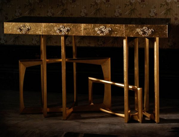 luxury interiors Top Console Tables for Luxury Interiors Top Console Tables for Luxury Interiors10 1 600x460