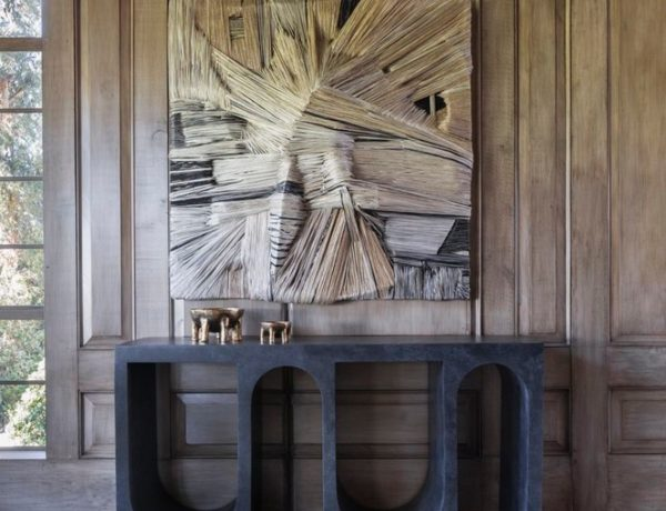 modern console tables Explore These Modern Console Tables For Your Contemporary Home 10 Sculptural Console Tables For Sublime Entryway 2 1 600x460