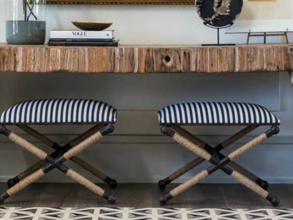 console table designs The best Console Table Designs for Your Entryway zfeatured 12 600x451