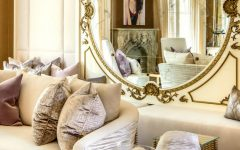 wall mirror How a Wall Mirror Can Bring a Glamorous touch to Your Console Table pic123 featured 240x150