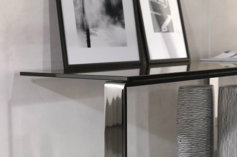 console table 10 Console Table Ideas That Will Add Prestige To Your Living Room 10 Console Table Ideas That Will Add Prestige To Your Living Room 10