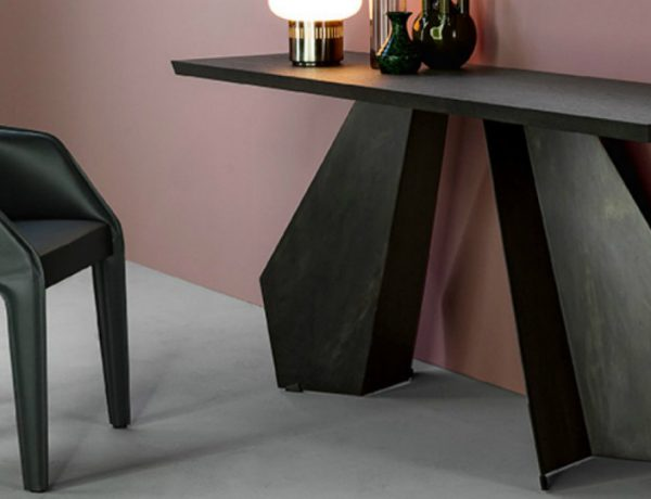 black console tables Black Console Tables that You Will Love origami consolle 01 600x460