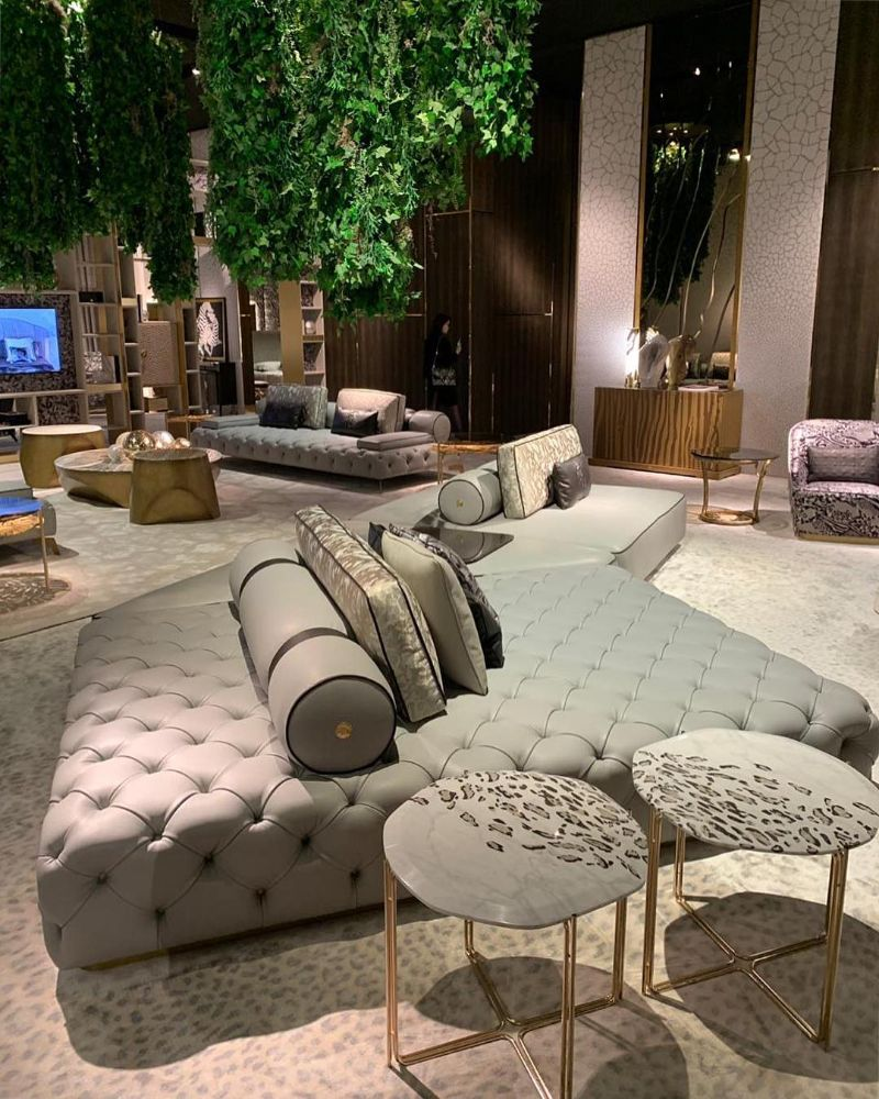 Luxury Console Tables at Salone del Mobile 2019 salone del mobile Luxury Console Tables at Salone del Mobile 2019 roberto cavalli