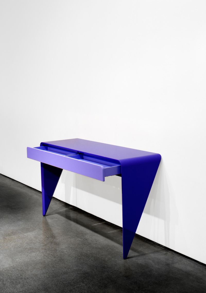 modern console table Modern Console Table Designs to Inspire You karim rashid