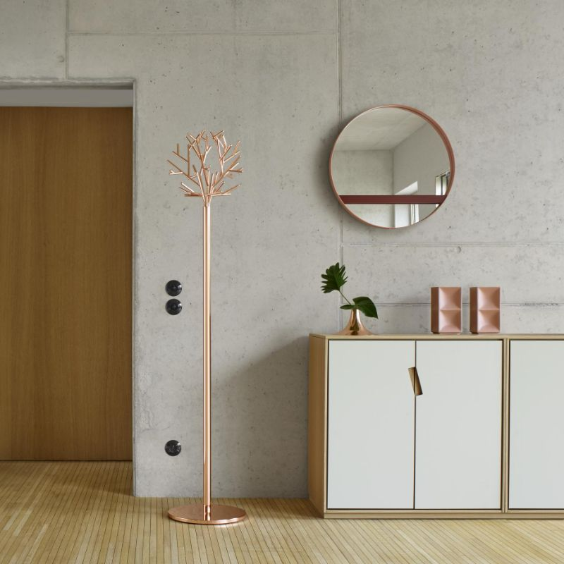 modern mirror Modern Mirror Designs that Will Go Well with Your Console Table ligne roset2