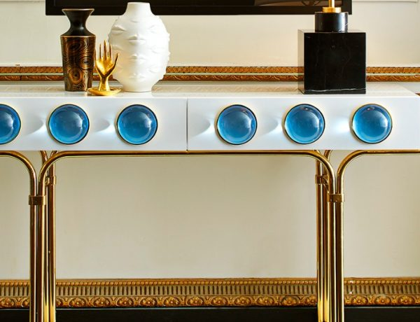 Look At These Striking Gold And White Console Table Designs FT console table design Look At These Striking Gold And White Console Table Designs Look At These Striking Gold And White Console Table Designs FT 600x460